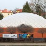Теннисный корт зимой