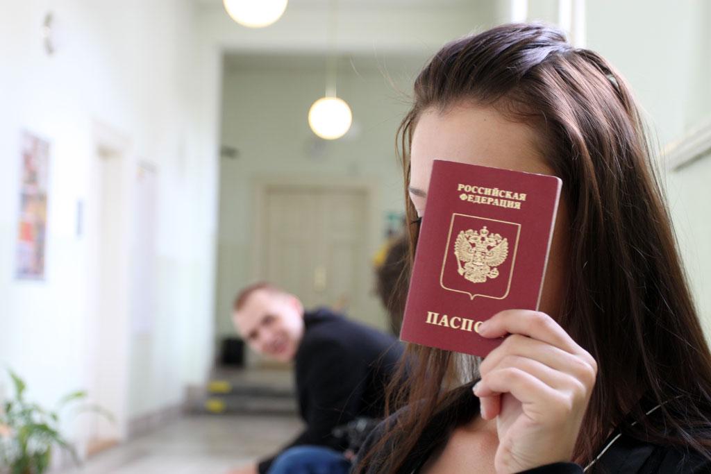 Можно ли летать по загранпаспорту на внутренних рейсах