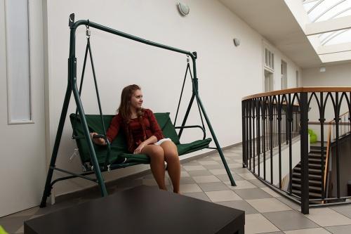 Antikavárna Centrum Komenského, Poděbrady - Антикафе Центр Коменского, Подебрады