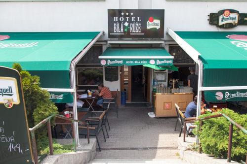 Гостиница и ресторан Била руже в Подебрадах / Restaurace a hotel Bilá růže v Poděbradech