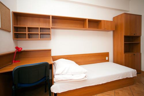 Комната нового общежития в Подебрадах