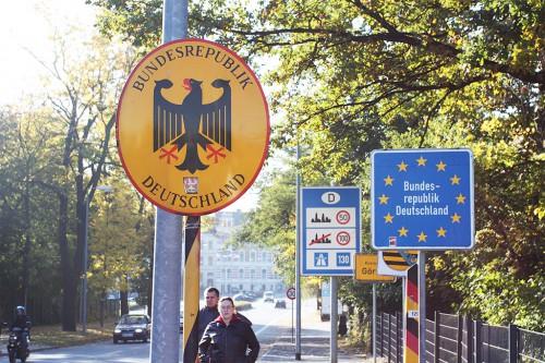 Пограничный знак на границе с Германией / Hraniční znak Německa