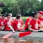 Соревнования на драконьих лодках